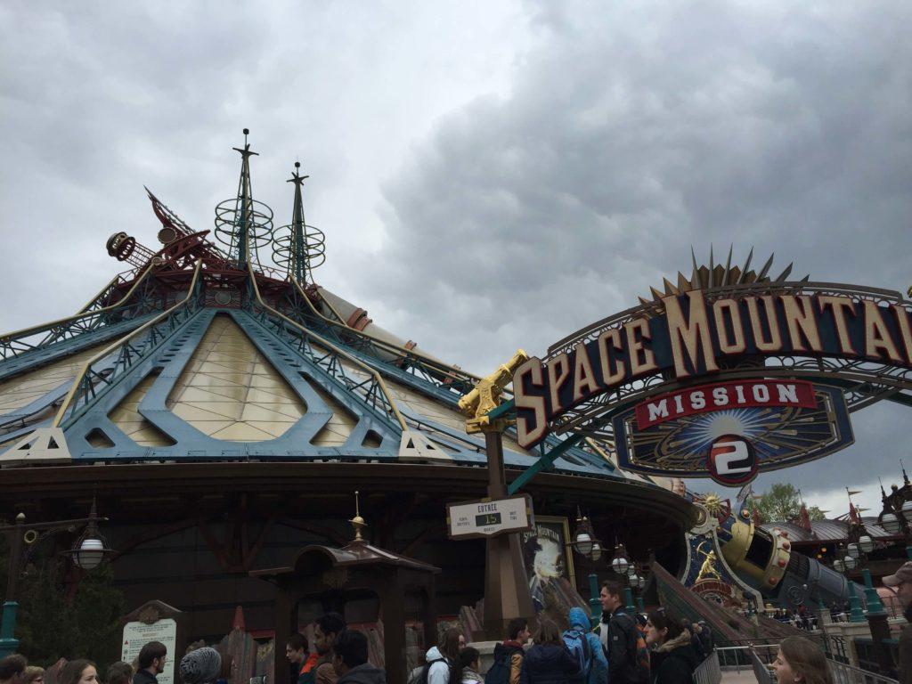 Review disneyland paris theme parks for Amusement parks in paris