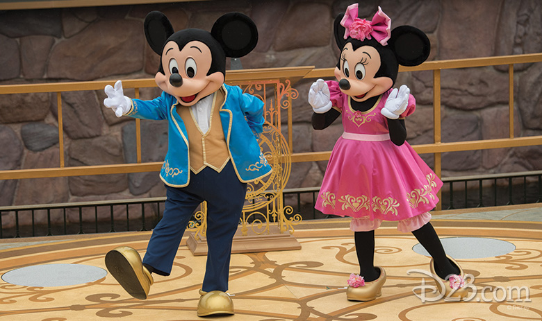 mickey and minnie in shanghai
