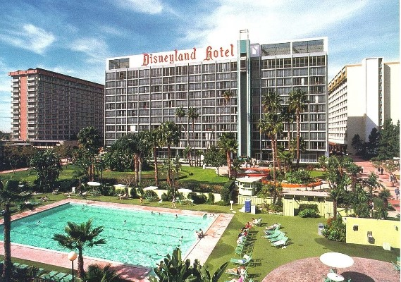 Disneyland Hotel Olympic Pool