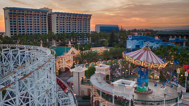 Disneyland Resort Paradise Pier Hotel