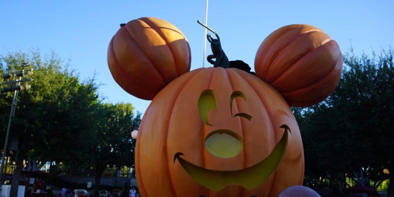 Mickey Pumpkin Disneyland